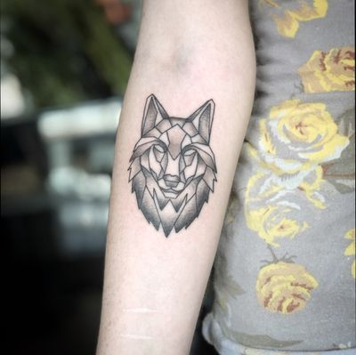 geometric wolf tattoo #creative #symmetry #geometricwolf #blackngrey #blackngrey #lagunabeach #tattooartist #tattoos #geometric #wolftattoo #wolf