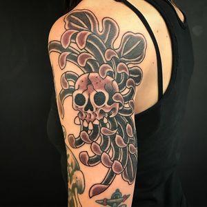 Tattoo by Kiku #Kiku #skulltattoo #skull #death #bones #chrysanthemum #flower #floral