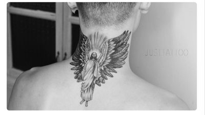 Tattoo by 寿司(Sushi)artist #Black #jesuschrist#jesustattoo #jesus #god #Goddess #wings #wing #blackandgrey 苦难常是神给你最好的化了装的祝福。 纹身师:寿司 文案:阿拉蕾 用时:4h