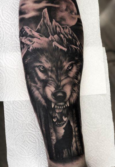 First tattoo and a start of a sleeve today :) #tattoo #tattoodesign #wolf #wolftattoo #mountain #design #tattooideas #angrywolf #moon #firsttattoo #ink #tattoooftheday @tattoodo