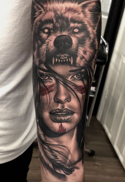 This was so much fun to do today! Would love to do more faces 🤓 #tattoo #tattoodesign #tattooidea #womanportrait #portrait #portaittattoo #womantattoo #wolf #wolftattoo #nativeamerican #tattoooftheday #feather #feathertattoo #firsttattoo #ink #inked