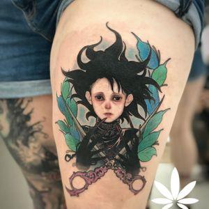 Tattoo by Neon Drug #NeonDrug #movietattoos #movie #film #TimBurton #newschool #neotraditional #portrait #edwardscissorhands #scissors #leaves #cute #creepy #johnnydepp