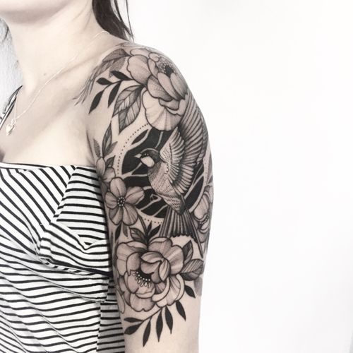 Flowers 🌿🌿 #blacktattoo #flowertattoo #ink #peonytattoo #blackwork #wipshading #girl #girlytattoo #inked #art #xystudio