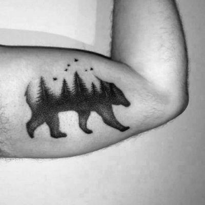 #beartattoo #bear #tattooart #tattooartist #foresttattoo #forest #dotwork #dotworktattoo #dotworktattoos #dotworkers #animaltattoo #animals #animal