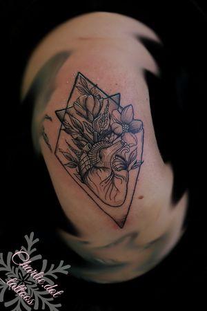 Heart and flowers #blackwork #blackworkflower #tattoo #femaleartist