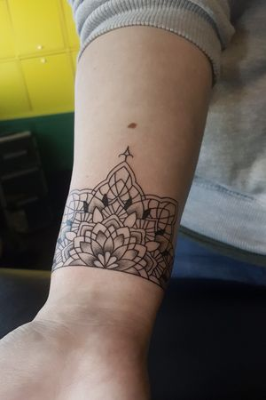 #mandala #mandalatattoo #mandalastyle #tattooart #inked #ink #lines