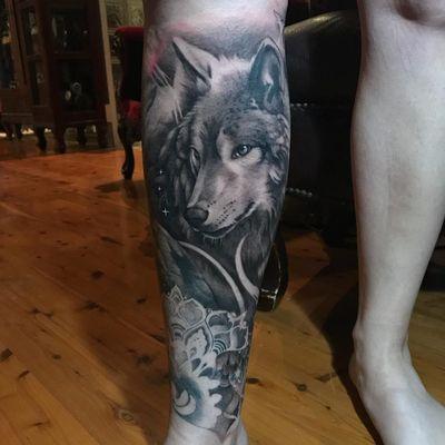 Tattoo by Teneile Napoli #TeneileNapoli #GarageInkManor #Australia #blackandgrey #realism #realistic #wolf #animal #forestlife #creature #stars #mandala #moon #nature