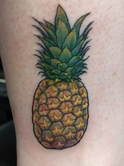 Find Richard Hart on FB. This was a clients first tattoo. #pineapple #pineappletattoo #fruit #fruittattoo #colortattoo #color #firstattoo #pineapplepen