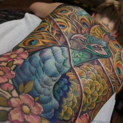 #peacock #tattoo #backpiecetattoos #colortattoos #bigtattoo #radtattoo #bodyart #tattooart #inked #newtraditionaltattoo #colorful