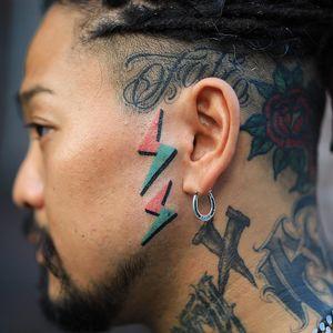 Tattoo by Zzizzi #Zzizzi #besttattoos #color #handpoke #bolt #lightningbolt #graphic #bold #graphicart