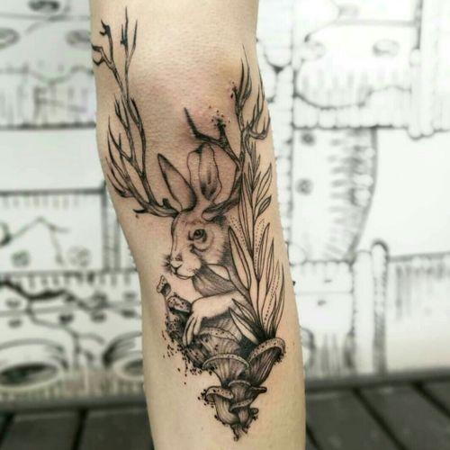 Collaboration between myself (@lyss4music) and fellow artist (@kriyashan) @sallymustang_tattoos on myself.