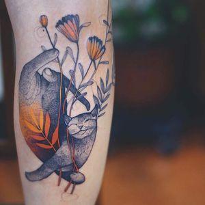 Tattoo by Dzo Lama #DzoLama #cattattoo #cattattoos #cat #kitty #animal #petportrait #nature #watercolor #illustrative #dotwork #flowers #floral #daisy #leaves #nature #cute