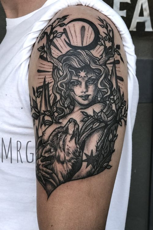 Mother of Us All...protect Us #mothernature#womantattoo#girltattooer#wolftattoo#protection