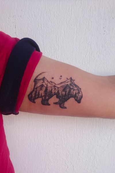 Porque tinta es tinta... Gracias por la confianza... Divertido trabajo... #tintaestinta #ink #tattoos #inked #art #tattooartist #instagood #tattooart #artist #tatuadoresmexicanos #inkedup #tattoolife #me #style #bodyart #rosa #blackwork #cdmx #inkadict #inked #girly #sexymen #tatt #instapic #trendy #bear #sexy #oso #mini #line @artymana.tattoo @worldfamousink