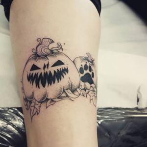 Halloween all the time #halloween #pumpkins #pumpkintattoo #pumpkin #pawprints #pawprinttattoo #dotworktattoo #dotwork