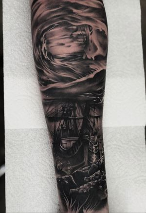 Had a cancellation today but managed to fill it with this fun piece :) #tattoo #tattoodesign #tattooideas #tattooidea #ship #shiptattoo #shipwreck #underwater #sea #wave #wavetattoo #firsttattoo #tattoooftheday