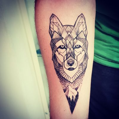 #lobo #wolf #dotworktattoo #pontilhismo