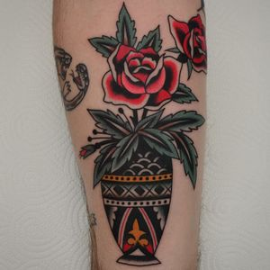Tattoo by Florian Santus #FlorianSantus #traditional #traditionaltattoo #color #oldschool #AmericanTraditional #rose #flower #floral #vase #pottedplant #leaves #nature