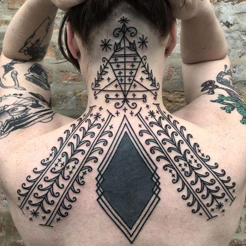 Tattoo by Tine DeFiore #TineDeFiore #besttattoos #blackwork #ornamental #linework #pattern #dotwork #shape #stars #floral