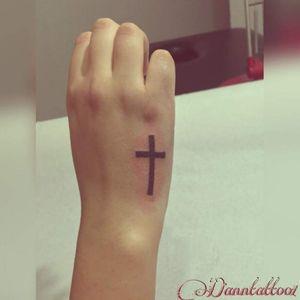 #cruz #tatuajecruz #tatuajedecruz #tatuaje #cross #crosstattoo #tattoo #ink