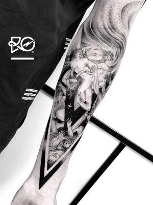 By RO. Robert Pavez • Apocalypse 1 • Done in Studio ZOI TATTOO • Stockholm 🇸🇪 2018 #engraving #dotwork #etching #dot #linework #geometric #ro #blackwork #blackworktattoo #blackandgrey #black #tattoo #fineline