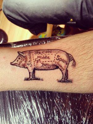 Tattoo de boucher #pigtattoo #tattoo #comictattoo #tattooidea #ink #eternalinks #blackandgreytattoos
