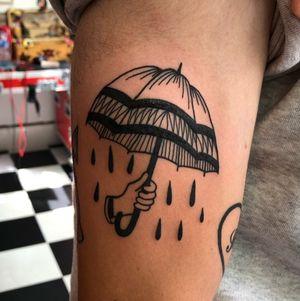 Umbrella :) #umbrella #hand #rain #blackwork