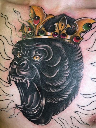 #gowildgocrazy #gorilla #gorillatattoo #aninaltattoo #crowntattoo #tattoodesign #tattooflash #copicmarkers #neotraditionaltattooers #neotraditionalgallery #neotraditionaltattoo #newtraditionaltattoo #hongkongtattoo #hongkongtattooartist #tattooinprogress #大猩猩