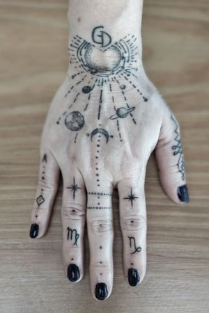 Cosmic Hand #cosmic #astrology #dot