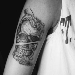 #mariape #mariapetattoo #odessa #dotwork #dotworktattoo #blackandgrey #skulltattoo #inkart #tattoo