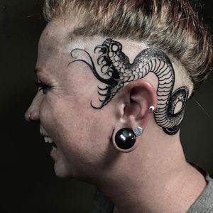 Tattoo by Joao Bosco #JoaoBosco #headtattoo #scalptattoo #scalp #head #face #blackwork #illustrative #snake #serpent #reptile #animal #darkart