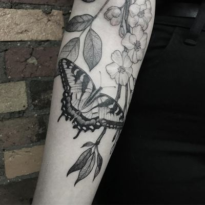 Tattoo by Honeytripper #Honeytripper #butterflytattoo #butterfly #insect #nature #wings #fly #pattern #illustrative #dotwork #fineline #linework #flowers #leaves #floral