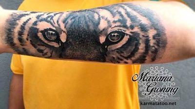 Made in Mexico City at Karma Tattoo, we are a private tattoo shop with customized designs. Consultations and appointments through www.karmatattoo.net Tatuaje hecho en la Ciudad de México, somos un estudio privado con diseños personalizados, citas y cotizaciones por medio de www.karmatattoo.net #tattoo #tatuaje #mexicocity #cdmx #claveria #marianagroning #ginazajec #karmatattoo #karmatattoomx #watercolor #acuarela #blackwork #tatuajemexico #tatuadora #mexicana