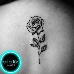 Obrigado pela confiança 🌹 #tattoos #artenapele #rosasblack #fineliner #finelinetattoos Agendamentos Pelo whats:(11)981349906 📩Gmail:art.of.life.tattoo@Gmail.com