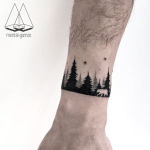 By #MentatGamze #mountains #forest #landscape #Bear #dotwork #bracelet #armband