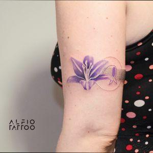 Tattoo and design by Alfio!                                                          #tattoo #design #designtattoo #lirio #dinamicink #tattoocolor #buenosaires #argentina #Flowertattoo #colortattoo #flower #dotwork