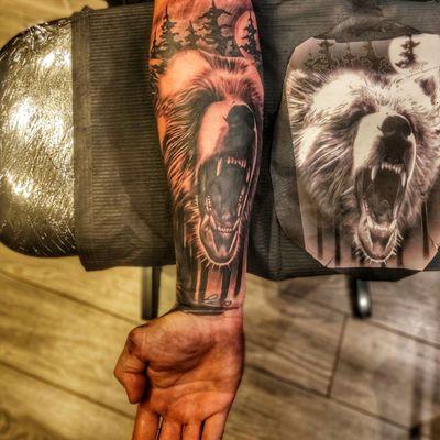 #realistictattoo #bear #beartattoo #realism #blackAndWhite #underarm #wood #trees #animals #tier #wild #arm