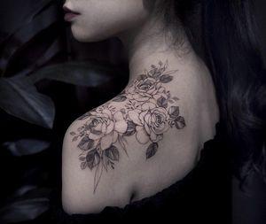 Flower tattoo by Goyo #Goyo #flower #floral #fineline #shoulder #rose #peony #nature