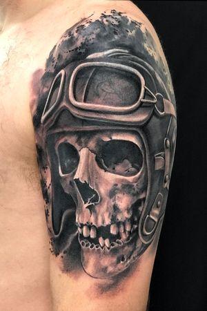Aviator skull #skull #blackandgrey