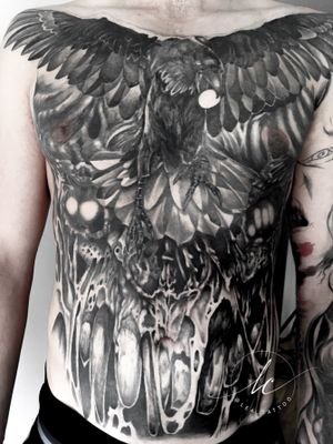 Getting there...🤩🤩🤩 Still needs some work to be done, but starting to assemble! Thanks Mathias for being an awesome customer, giving me free hands on this project, and trusting me 💖💖💖🙏🙏🙏 . . #tattoo #tattooideas #art #tattooart #creative #creativity #fun #drawing #freehand #raven #demon #demontattoo #evil #pencil #ink #darkness #realism #illustration