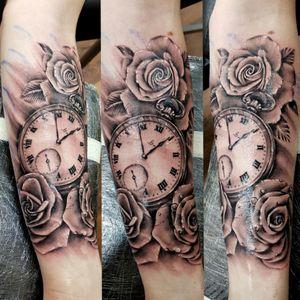 #dktattoos #dagmara #kokocinska #coventry #coventrytattoo #coventrytattooartist #coventrytattoostudio #emeraldink #emeraldinkltd #emeraldinkcoventry #rose #rosetattoo #roses #rosestattoo #pocketwatch #pocketwatchtattoo #tattoo #tattoos #tattooideas #tatt #tattooist #tattooshop #tattooedman #tattooforman #killerbee #immortalinnovations