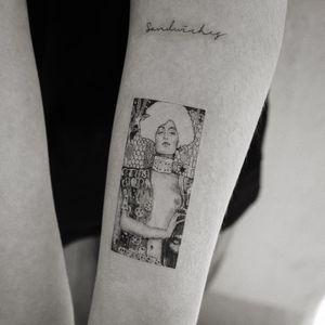 Tattoo by Sol #Sol #finearttattoos #finearttattoo #fineart #painting #Klimt #Judith #beheading #lady #floral #illustrative #fineline #linework #pattern #severedhead #portrait