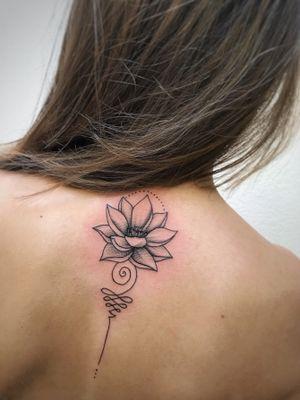 #art #графика #tattoo #line #арт #рисунок #тату #татуировка #graphictattoo #лотос #татуировканаспине #tattoogirl #графика #lotus #lotustattoo  #flowers #mandala #flowerstattoo #womentattoo #tattoogirl #женскаятатуировка #lovetattoo #tattoo #tattoos #ink #inktattoo #tattoos #niki_tattoo