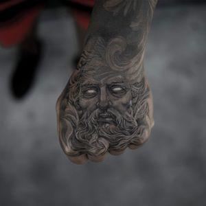 Tattoo by Niki Norberg #nikinorberg #finearttattoos #finearttattoo #fineart #painting #greek #roman #blackandgrey #portrait #sculpture #stone #stonework #face