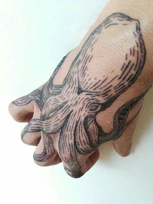 Polipi tattoo