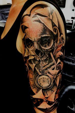 #skull #clock #family #freehand