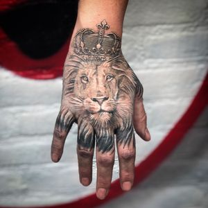 Hand tattoo by Peter.