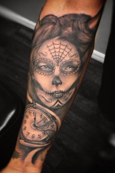#catrina #blackandgrey #clock #realism