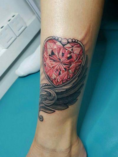 Ruby heart #tattooodessa #Odessa #thetattooedukraine #ruby #tattooartist #realistic #realism #wing