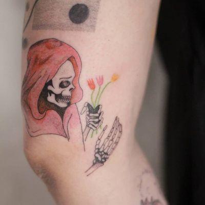 Tattoo by Rat666tat #rat666tat #reapertattoo #reaper #grimreaper #skeleton #skull #death #watercolor #illustrative #tulips #flowers